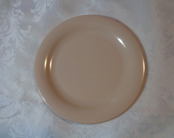 Tupperware pink luncheon salad plate picnic glamping,camping