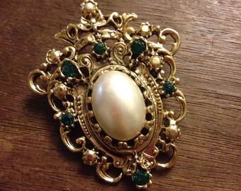Art Nouveau Emerald Green Rhinestone Shield Style Brooch