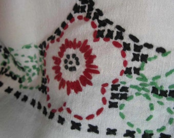 vintage cross stitch embroidery tablecloth / thick stitches / red floral / 1950s