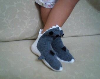 Child size hand knit gray shark socks,Shark Booties, Shark Shoes,Knitting Shark Booties