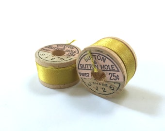 BELDING CORTICELLI - Vintage Thread - Pure Silk - Yellow #9125 - 10 yd Spool - Buttonhole Embroidery Ribbon Fly Tying