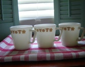 Vintage Pyrex milkglass D Handle coffee mugs restaurant mugs with gold flowers 3 pc set serving dining drinkware