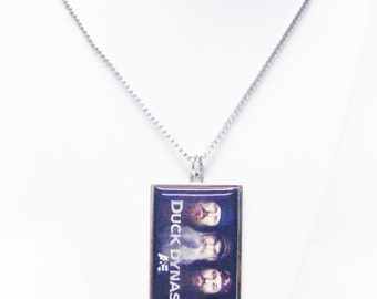 A&E DUCK DYNASTY Four Hunters on Silver Plated Rectangle Pendant Necklace