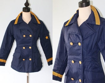 20% Off SALE Vintage Ski Coat . 70s Navy Blue Sailor Military Style ASPEN Double Breasted Skiwear Jacket / Size Medium . Gold Anchor Buttons