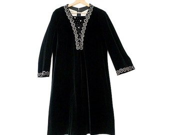 old  BLACK VELVET embroidered  DRESS  long sleeves size large