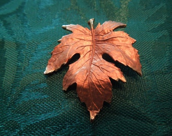 Vintage Leaf Pendant.  Small Size, Copper Color Fading to Gold Tone,  Beautiful High Quality Item