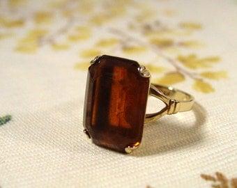 Avon Smoky Lustre Gold Tone Faux Topaz Stone Ring  - Vintage 1978