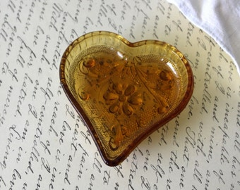 Tiara Exclusive Amber Heart Shaped Small Trinket Dish / Ashtray - Vintage 1970s