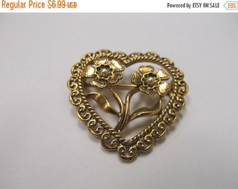 On Sale Gold Tone Floral Heart Pin with Faux Pearls Item K # 3122