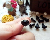 10mm Triangle Safety nose Colored Doll nose Toy nose Doll Parts Animal nose Plush nose Teddy Bears nose Plastic nose - black - 10 pcs