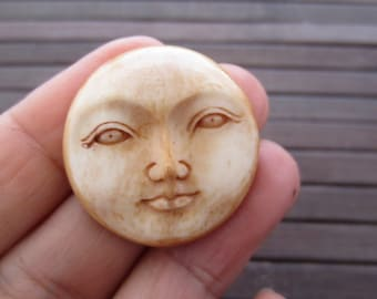 Best Quality 30mm  Moon Face open eyes cabochon, Organic Cabochon,  bone, Embellishment, Jewelry making SUpplies B3864