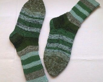 Socks men wool green beige striped hand knitted warm winter socks size 8-9