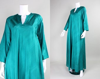 1970's Emerald Green Silk Festival Dress