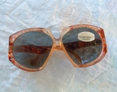 free shipping sunglasses  made in Italy hand made bever been worn circa 1960's free shipping