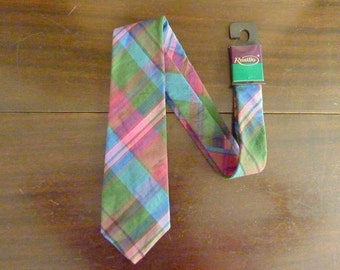 DEADSTOCK / NOS Vintage Resilio Plaid Tartan 100% Cotton Nubby Slubby Trad / Ivy League Summer Neck Tie.  Made in USA.