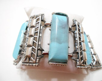 Vintage Faux Turquoise Chunky Bracelet (4066)