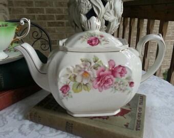 Stunning Sadler Cube Teapot Large Six Cup Size Pink Roses