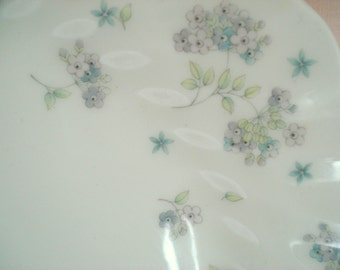 Vintage Plates Luncheon Wedgwood England April Flowers Luncheon Salad Plates Purple Floral Set of 4