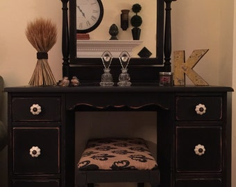 SOLD  Vintage Vanity/Desk Hand Painted Miss Mustard Seed Milk Paint Pick Up Only