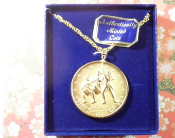 1 Goldplated U.S. Bicentennial Coin Necklace