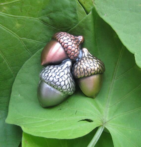 Acorns Brooch- Fall Jewelry- Autumn Jewelry- Fall Pin