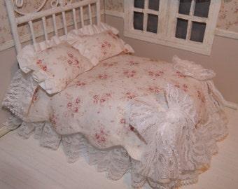 Shabby style quilt, miniature dollhouse