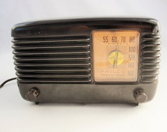 A 'Philco Transitone' Radio - Model 49-500 - Deep Brown Bakelite Cover - 1948 - Original Parts With Lighted Dial - AM Only Radio