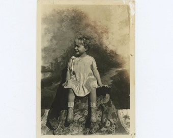Portrait of Young Girl, c1910s Photo (59409)