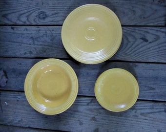 vintage Fiesta set of yellow dishes
