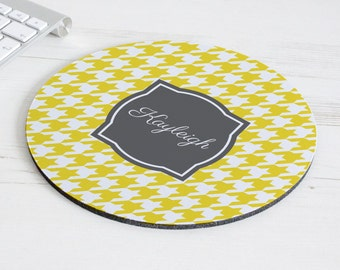 Houndstooth Print Mouse Mat – personalised mouse pad – round mousepad – desk decor - personalized graduation gift - coworker gift - p11