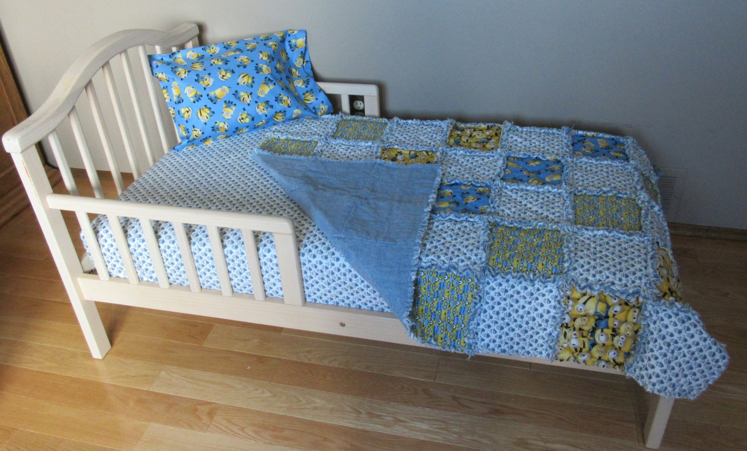 Toddler Bed MINIONS Despicable Me Fabric Crib Set By 1723diane