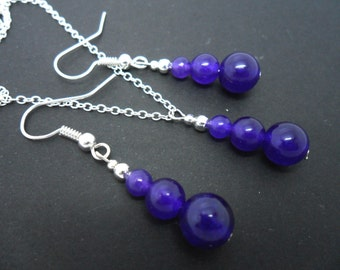 A hand made purple jade beads   necklace and  earring set.