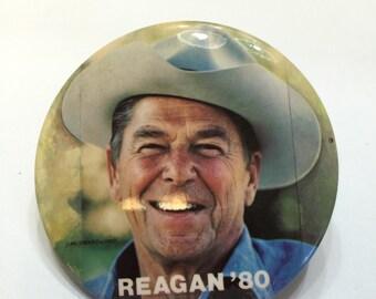 Large campaign pin of Ronald Reagan.