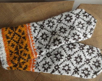 Hand knit folk wool mittens