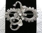 Early EISENBERG Swarovski Clear Crystal RHINESTONE Brooch Pin circa 1945