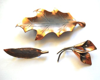 STUART NYE  Arts & Crafts   Oak Willow  and Calla Lily Pins  in Copper  Marked with NYE logo