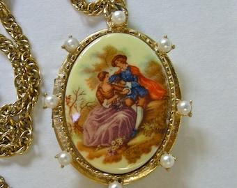 Vintage FRAGONARD large Locket Pendant Necklace