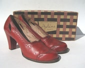 size 8.5/ 1940s red leather spectators with box