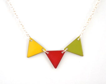 "necklace ""red green yellow flag"""