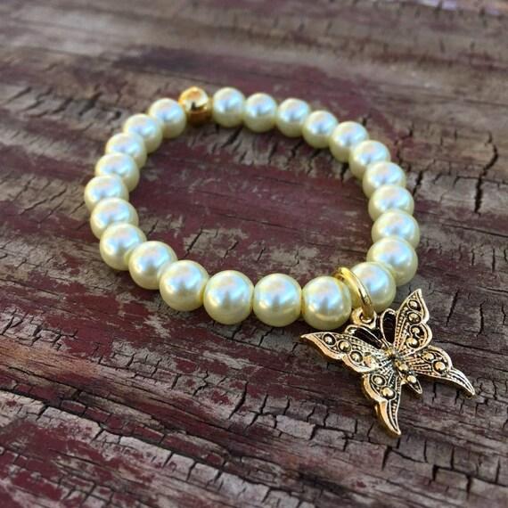Wedding Pearl Bracelet, Glass Bracelet, Pearl Bracelet, Gold Butterfly Bracelet, Gold Charm Bracelet, Stretch Bracelet, Beaded Bracelet