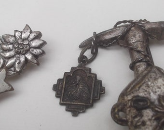 Lot of two Vintage 1950s Alpinism Mountaineering souvenir pins, Edelweiss, mountain climbing pins