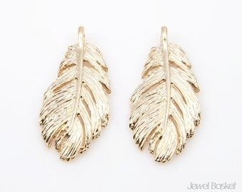 Feather Pendant in Matte Gold / 13.5mm x 30mm / BMG213-P (4pcs)