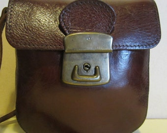 Lovely vintage brown leather cross over bag, with very long strap; near mint, The Trend