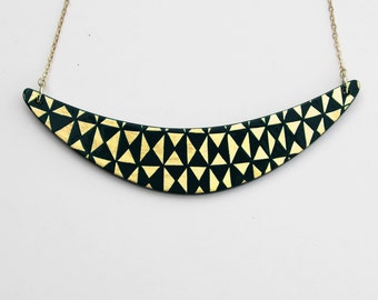 BOOMERANG Necklace Black and Gold