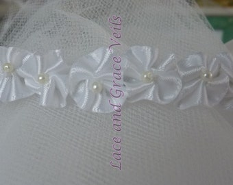 Tiny Satin/Pearl Center Flower (h) Bun Wrap