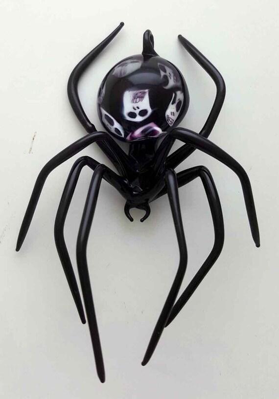Medium Black Spider with Skulls