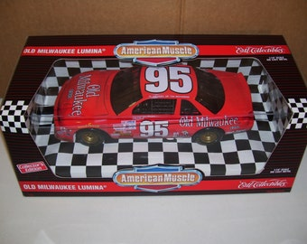 Vintage Ertl American Muscle Old Milwaukee Lumina Diecast 1/18 Scale Car, Memory of Tim Richmond, #95 Collector Edition 1995