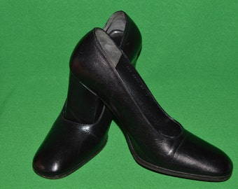 Authentic Gucci Black Shoes Made in Italy High Heel  1990s