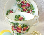 ROYAL ALBERT England Orchard Series Strawberry Fair Tea Cup and Saucer / Strawberries/ Collectable