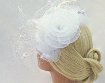 Bridal Fascinator, Wedding Fascinator, Bridal Hair Clip, Feather Fascinator, White, Wedding Hair Clip, Birdcage Veil